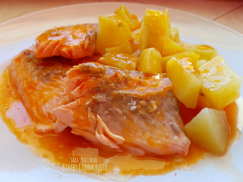 Salmone a Varoma con Patate e salsa ai Pomodori Ciliegino
