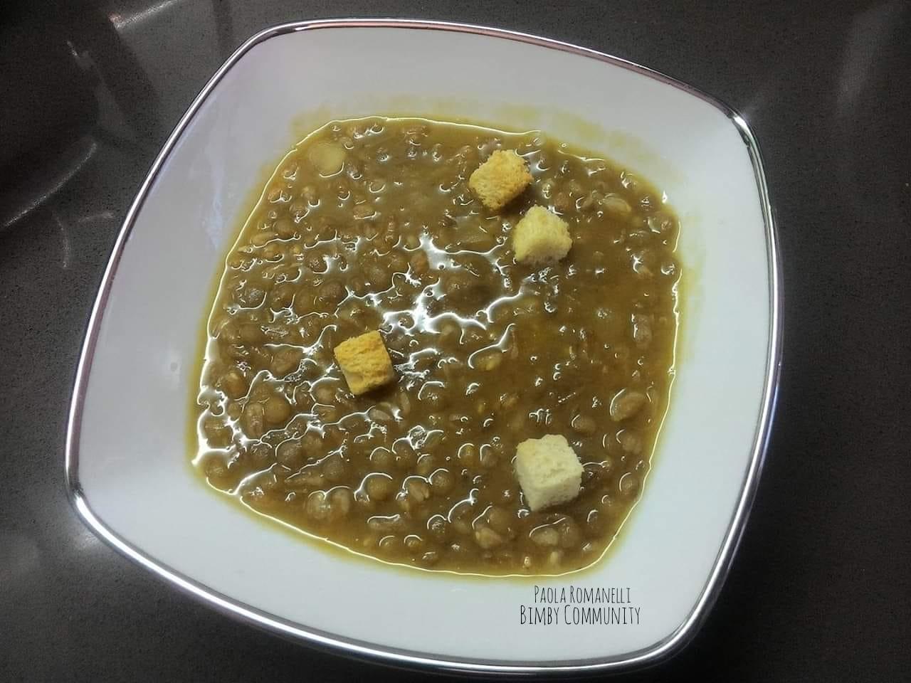 Zuppa densa di Fagioli Cannellini con Lenticchie e Farro